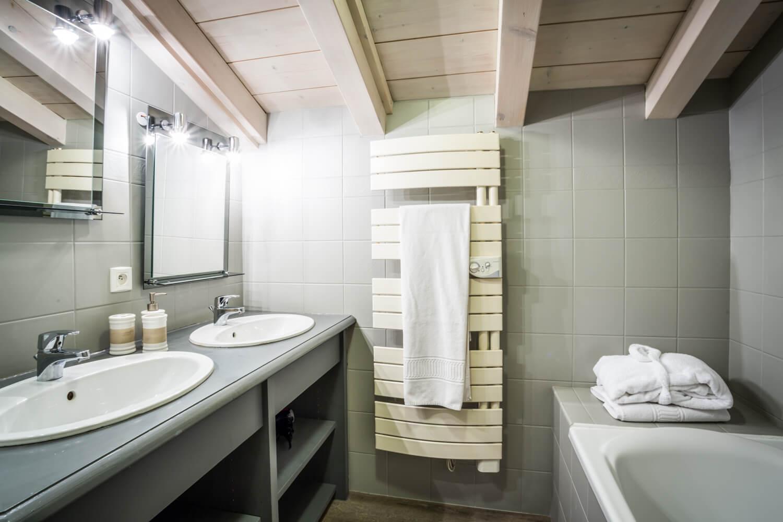 Ha2 bathroom firstfloor 1
